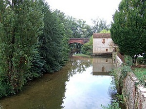 Lot-rivière-Lot-France-Europe